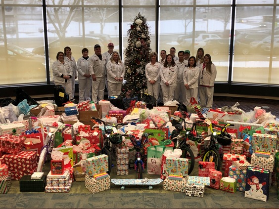 Honda associates volunteer to assist more than 700 local families